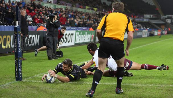Dan Biggar scored Ospreys' only try in their hard-fought win over Bordeaux