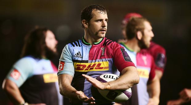 Nick Evans has signed a new contract with Harlequins