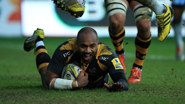 Wasps' Sailosi Tagicakibau dives over for his last-minute try against Worcester