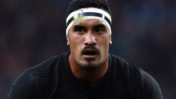 Jerome Kaino scored Blues' opening try as they won 17-13 at Western Force