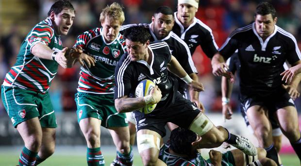 Elliot Dixon scored two tries for Highlanders