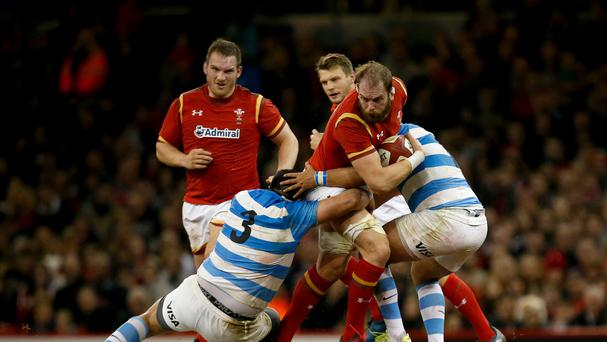 Alun Wyn Jones, centre, drew praise from Ron Howley on his return to the Wales team