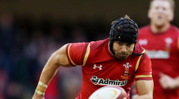 Leigh Halfpenny could return to Wales next season on a national dual contract