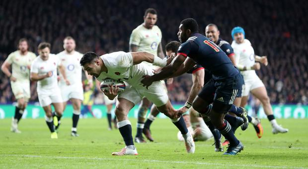 England's Ben Te'o scores the winning try against France