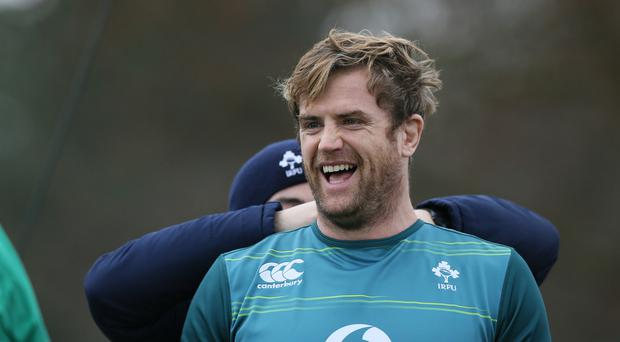 Ireland's Jamie Heaslip has signed a new contract with the IRFU