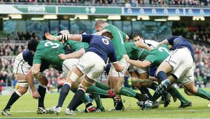 Ireland drive forward for Jamie Heaslip to touch down for the  second try