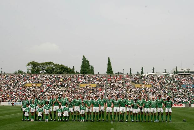 Humphreys leads the team out for the second Test against Japan