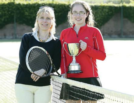 Lydia Kelly with mum Gertrud after U-16 title victory