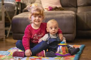 Padriag Thompson (1) pictured with his sister Kacie (4) at their family's home outside Lurgan (Liam McBurney/RAZORPIX)
