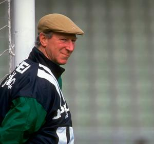 Jun 1994:  Portrait of Eire Manager Jack Charlton during a World Cup match in the USA.  Credit: Simon Bruty/Allsport