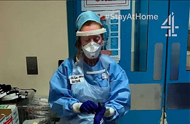 Dr Leigh-Anne Hill working on a ward in London