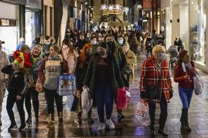 Shoppers out in force in Belfast city centre