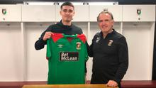 Jay Donnelly with new boss Mick McDermott after signing for Glentoran
