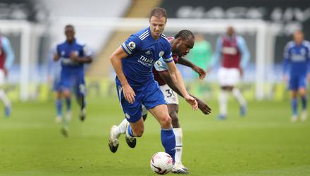 Jonny Evans in action for Leicester