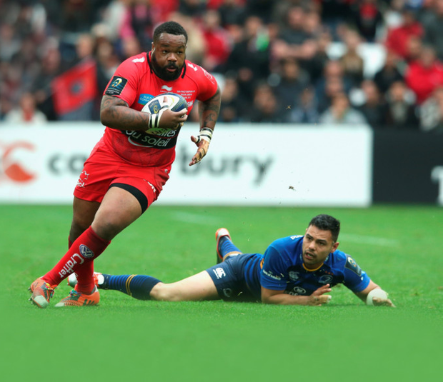 Charging on: Toulon's Mathieu Bastareaud breaks away from Ben Te'o