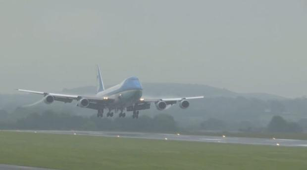 President Obama arrives in Belfast